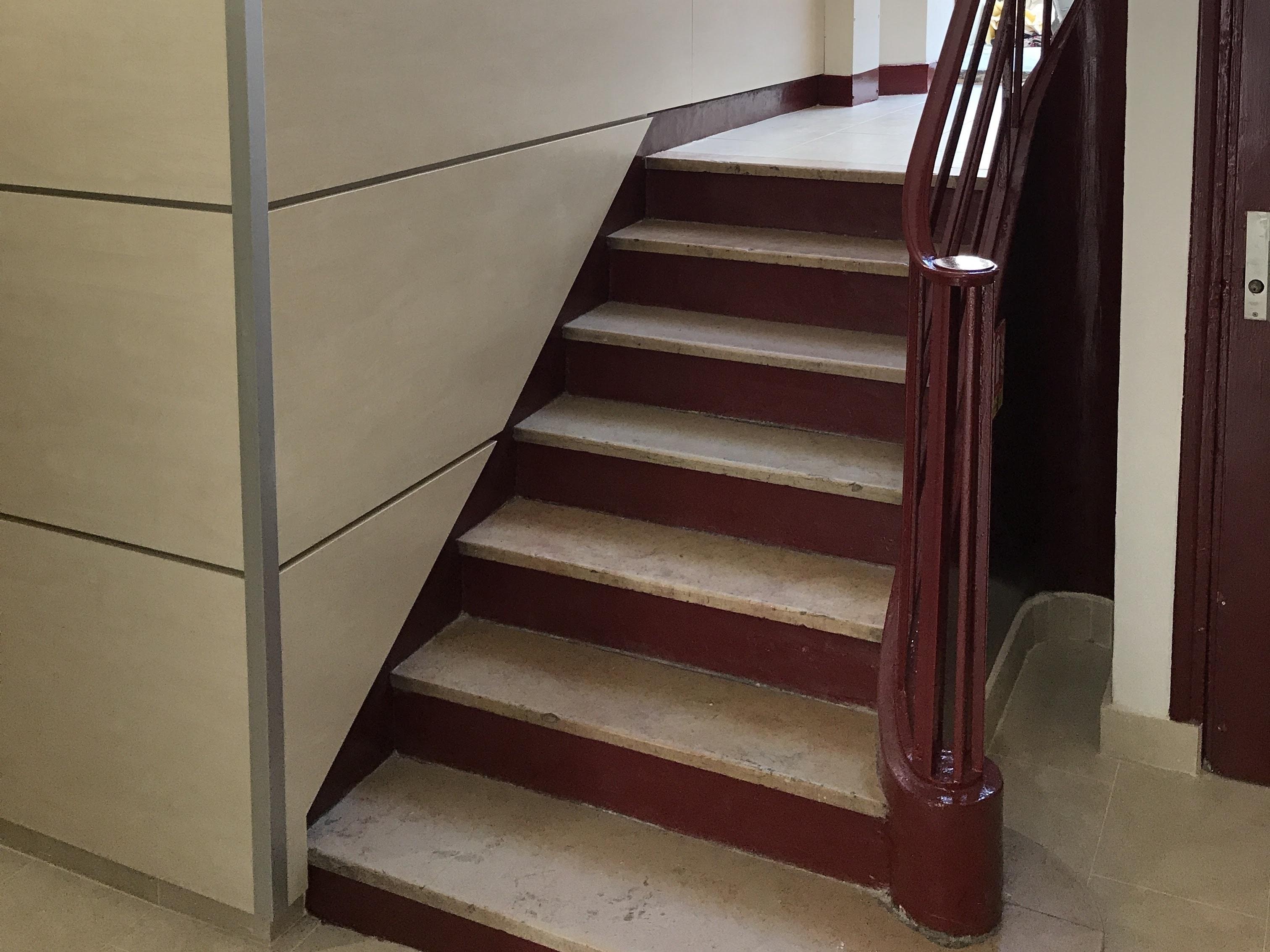 Revêtement hall d'escalier